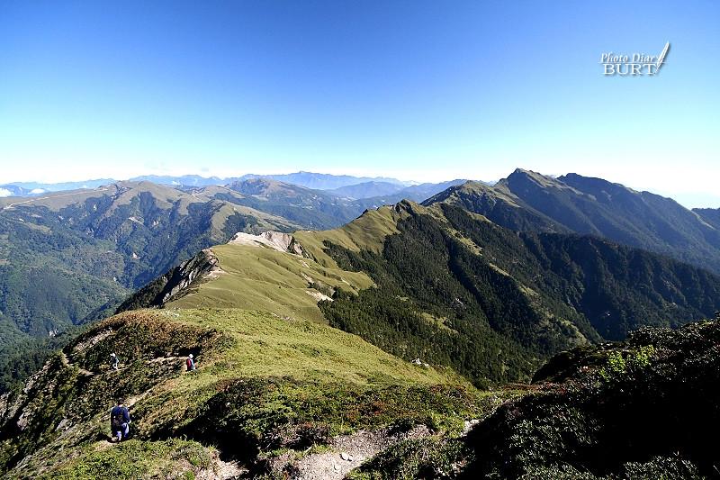 奇萊主峰與北峰間的稜線