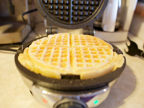 makin waffles