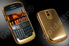 BlackBerry Bold 9000 Yellow Gold Edition. (goldetto) Tags: blackberry bold goldblackberry