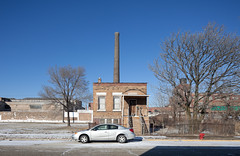 West Side Residential Building, Smoke Stack (metroblossom) Tags: winter snow chicago building car illinois industrial afternoon study smokestack westside juxtaposition residential isolated 559 img0249