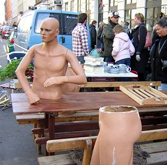 Man in halfs (Jens Rost) Tags: mannequin mann mand manekin halbe maniquí manken 模特 مانکن halfman マネキン halv манекен indossatrice mannekiini عارضةأزياء پتلا