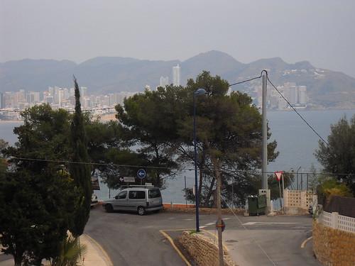 preciosas vistas al mar. En su inmobiliaria Asegil en Benidorm le ayudaremos sin compromiso. www.inmobiliariabenidorm.com