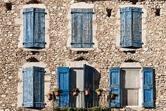 abendsonne (knipserkrause) Tags: dauphin france blau blue bleue fenster laden window shutter