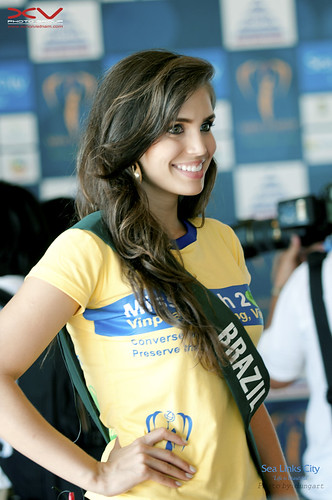 Miss BRAZIL - Miss Earth 2010 @ Sea Links City