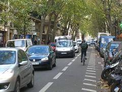 Велосипедная контрполоса на улице Луи Блан