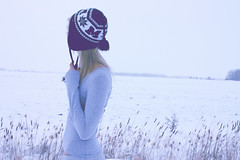 (Untitled, for now) (Chantel Baggley) Tags: winter snow me girl hat snowfall happyholidays chantel feild lookingaway meaningful portraitt exploreme canonuser canonlover openfeild baggley canonrebelxsi chantelbaggley favoritewinterhat greylongsleeve
