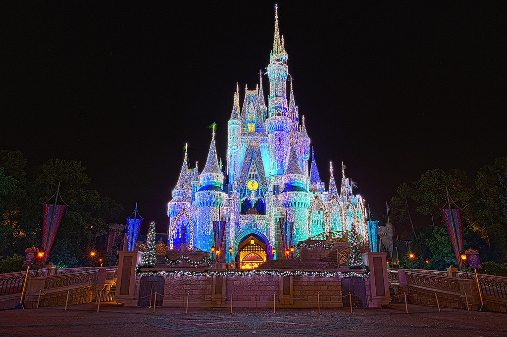 Walt Disney World Christmas - Cinderella Castle