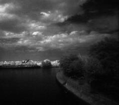 le canal continued (xenopol) Tags: old man tree bench ir minolta kanal 820 oldenburg maxxum efke 7000