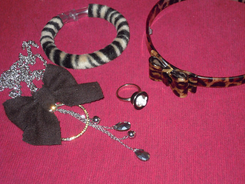 outfit accessories