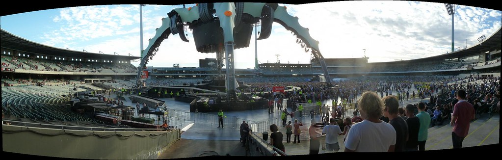 U2 Panoramic