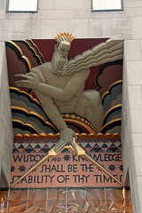 Close up of Wisdom (Yipski) Tags: nyc newyorkcity usa ny newyork manhattan rockefellercenter artdeco wisdom leelawrie gebuilding thebigapple