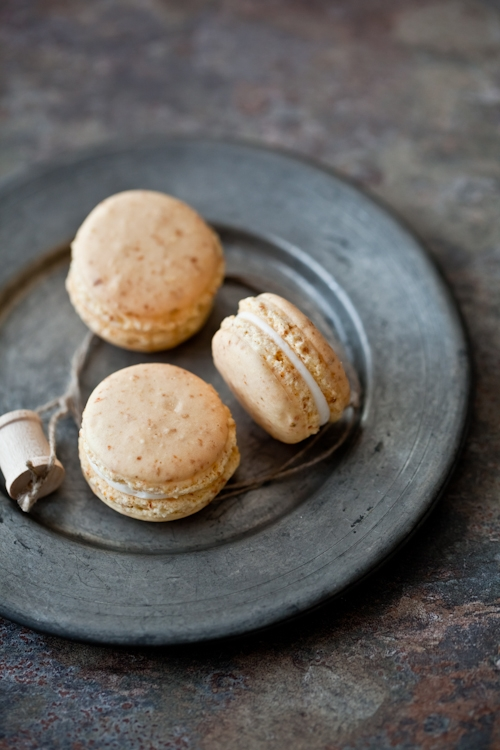 Tartelette: Carrot Cake Macarons With Cream Cheese Frosting Filling