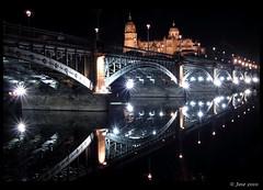 Reflejos en el Tormes, Salamanca (Josepargil) Tags: puente luces catedral 7d nocturna salamanca reflejos riotormes castillaylen josepargil dblringexcellence tplringexcellence