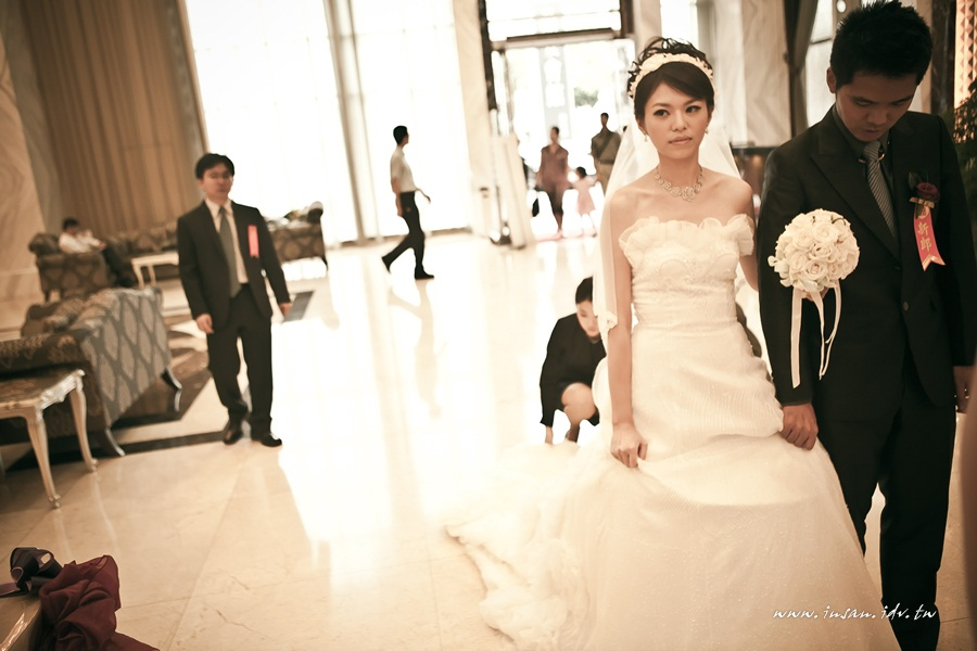 wed101024_256