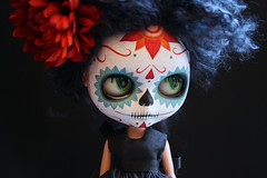 K blythe calavera 009 (Kittytoes) Tags: dayofthedead skull doll sugar diadelosmuertos blythe calavera commissions melancholykitties