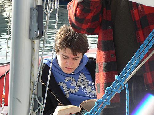 lecture sur le bateau.jpg