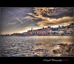 The last rays on Menton - HDR - ( style Vintage miniseries , picture 2 of 4 ) - Mentone - France - Côte d'Azur (Margall photography) Tags: sea sky costa sun seascape france water clouds canon vintage reflections photography nuvole mare ray cityscape sigma cielo marco rays cote 1855 sole riflessi francia efs hdr azur menton raggi topaz mentone 30d azzurra photomatix galletto margall