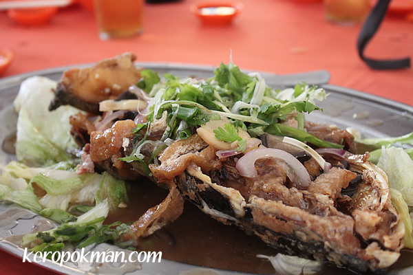 Deep Fried Fish Head with hidden treasures