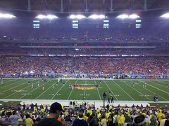 From the 50 yard line on the Oregon side of the stadium at the 2011 BCS National Championship Game (earthsound) Tags: arizona people field grass lines oregon lights football teams desert glendale stadium crowd auburn fans stands pregame bcs sideline 50yardline bcsnationalchampionshipgame bcstrip phoenixuniversitystadium