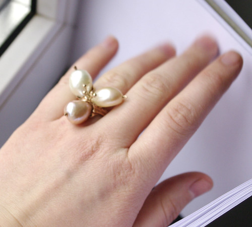 pearl ring 6