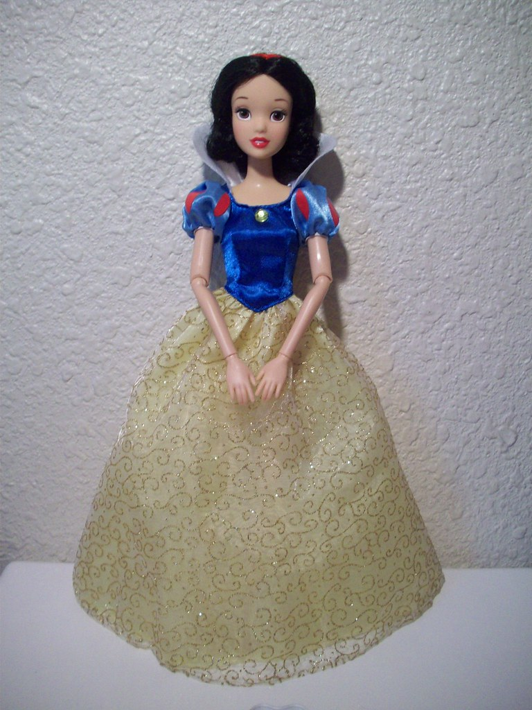 Snow White in Princess Dress