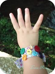 A pulseira da Flora (Luciene Rosi ❀) Tags: pulseira tutorial pap tecido botões