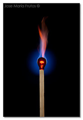 Eternal flame... (encore_0) Tags: wood stilllife lightbulb fire madera llama flame match stick fuego palo bodegon bombilla cerilla naturalezamuerta fosforo phosphorus encore0 retofs1 josemariafrutos