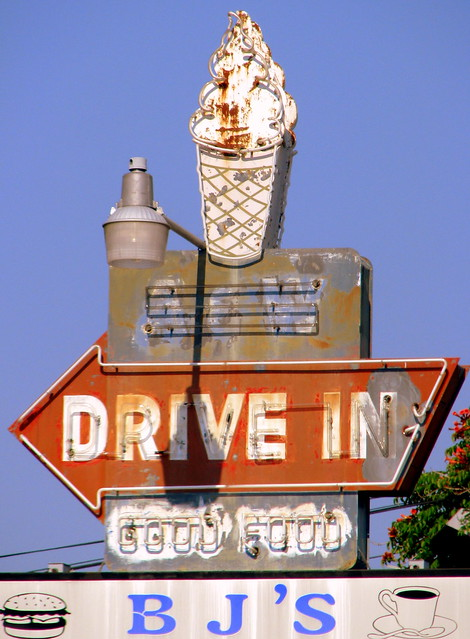 Vintage A&W Drive-In Neon sign - Erin, TN