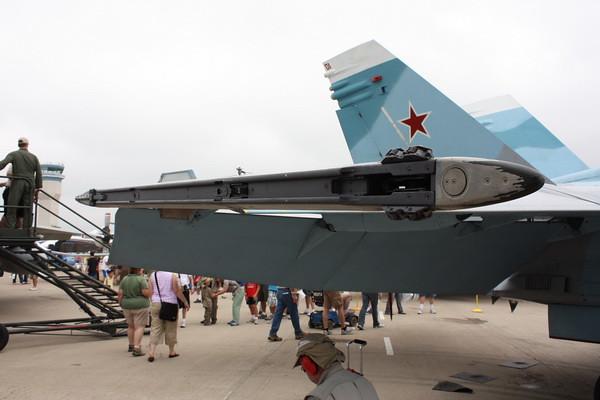 EAA10_FA-18C_105
