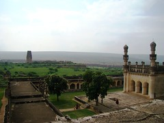 a view from the top of Granary (Pavan Kumar Bandaru) Tags: jamiamasjid raghunathatemple gandikota madhavarayatemple georgeofgandikota jammalamadugugandikotajamiamasjidmadhavarayatemplegeorgeofgandikotaraghunathatemple