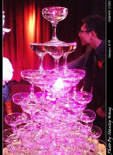 香檳杯子塔