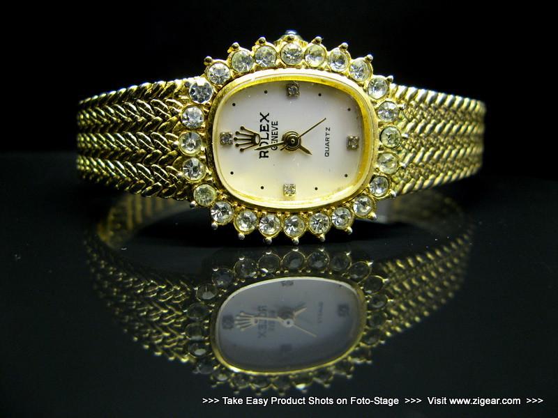 Antique Watch on Black Foto-Stage