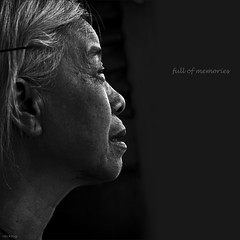 full of memories (-clicking-) Tags: lighting light portrait blackandwhite bw woman monochrome smile square dof faces headshot age squareformat oldwoman aged lowkey visage oldtime eld 500x500 oldaged lowkeylighting blackwhitephotos eldly winner500 100commentgroup bestportraitsaoi tripleniceshot vietnameswomen