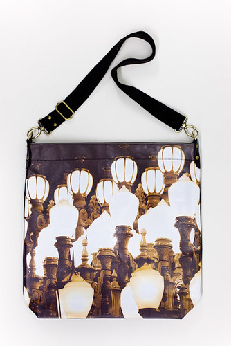 Urban_Light_tote