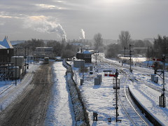 Stirling railway station in the snow (shotlandka) Tags: winter snow scotland stirling railway finepix rails fujifilm      stirlingrailwaystation  platinumheartaward s1000fd 100commentgroup dblringexcellence