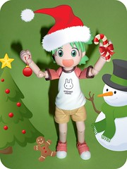 y is for yuletide (lamont_cranston) Tags: xmas toy toys actionfigure yule picnik yuletide kaiyodo yotsuba revoltech kiyohikoazuma enokitomohide yotubasutazio toytuesdaythursday2010
