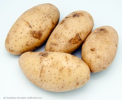 Potato  (Izzeddeen) Tags: home up studio close potato products simpq