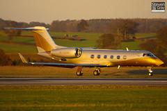 4K-AZ888 - 4045 - SW Business Aviation - Gulfstream G450 - Luton - 061216 - Steven Gray - CRW_1751