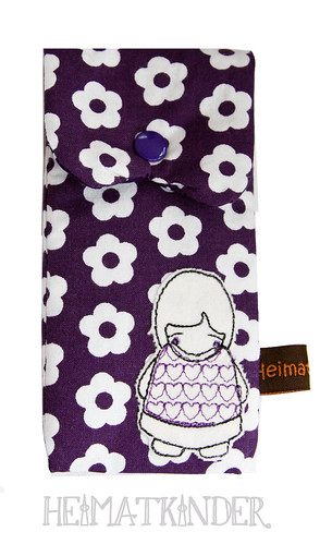 Handytasche lila Blümchen // Mobile phone bag purple with flowers