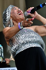 "Sugar Pie DeSanto (Joao Eduardo Figueiredo) Tags: 25th chicago blues festival grant park legendary bluesmen legends live music musicians stage tribute tradition performance crowd concert show gig juke joint roots allstar lineup band group appearance entertainment cross roads petrillo shell front porch guest performers nikon free summer act acts icons artists audience admission venue musical usa ""sugar pie desanto"" woman hot sexy horny classy elegant mature glamour stockings upskirt nails lipstick silver earrings jewel shining chicagobluesfestival d300 joão joao eduardo figueiredo joaoeduardofigueiredo"