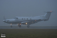 M-ERIL - 1240 - Confidentia Aviation - Pilatus PC-12 47E - Luton - 110107 - Steven Gray - IMG_7653