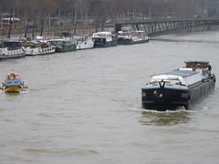 Pniche sur la Seine , Paris, France,Barge on the River Seine (Phil Nistre) Tags: paris france water seine boat ship pniche barge riverseine buoyant