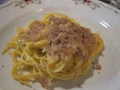 Pasta w/white winter truffles (Elizabeth Condelli - Escape Artists) Tags: enogastronomy casamasi whitewintertruffle truffletastinglunch