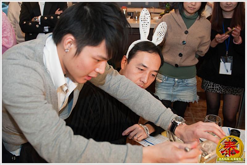 2011.01.15 黑樽兔飛猛進尾牙趴 (14)