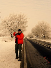 "the make of ""kinda cold"" (Harlory) Tags: road winter portrait photographer retrato scene ritratto"