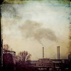 h    u    m    o (MaxiKohan) Tags: city urban berlin texture textura industry germany photo foto smoke pipes pollution alemania chimeneas industria humo squared fabrica polucion cuadrado kohanart maxikohanphotography maxikohanfotografa