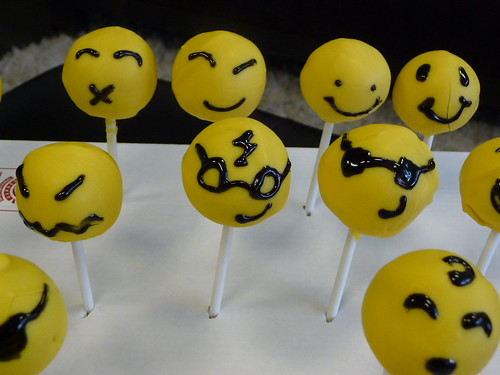 Have a Nice (Birth) Day Cake Pops!