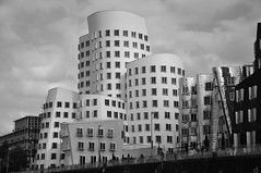 Düsseldorf Building (sfPhotocraft) Tags: building architecture germany europe gehry düsseldorf frankgehry ghery frankghery 2014