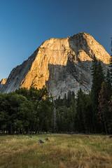 Sunset Light on the Peaks above Yosemite Valley in Yosemite National Park (Lee Rentz) Tags: america california light mountainous mountains nationalparkservice northamerica peaks sierra sierranevada sunset usa yosemite yosemitenationalpark yosemitevalley