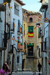 BELMONTE (Jos Mara Gil Puchol) Tags: aragn bandera belmonte drapeau espagne espaa josmaragilpuchol matarraa teruel